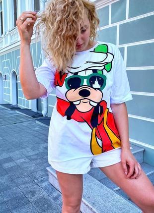 Модная футболка женская с принтом гуффи
