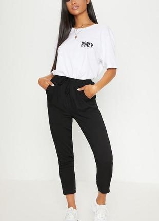 Распродажа  чёрные штаны из вискозы высокая посадка prettylittlething