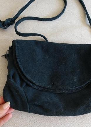 Маленькая замшевая сумочка crossbody