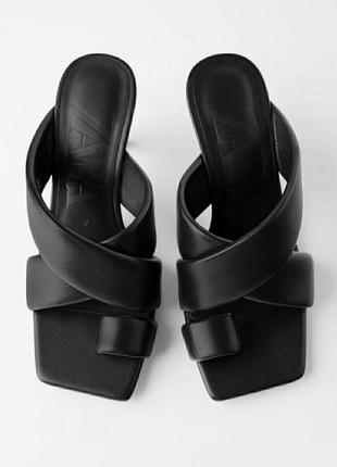 Стеганые кожаные босоножки zara  на высоком каблуке
