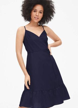Воздушное платье сарафан миди с запахом и воланом gap в составе лен.новое