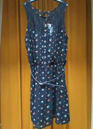 Черное платье в цветочек cropp размер m