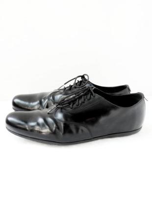 Стильные легкие спортивные туфли camper. размер eur 43.