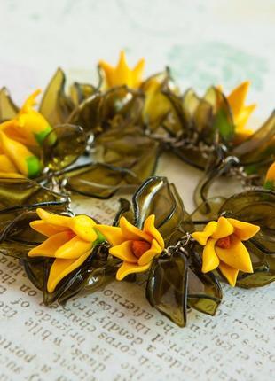 Пышный браслет ручн работ цветы жёлт зелён листья цепочк лето ярко цветочные украшения