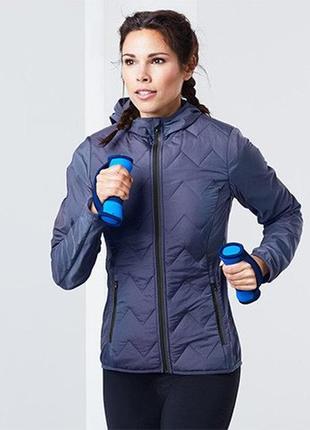 Легкая спортивная куртка легкая спортивная куртка tchibo пог=49 см.