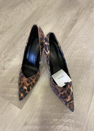 Новые туфли bershka