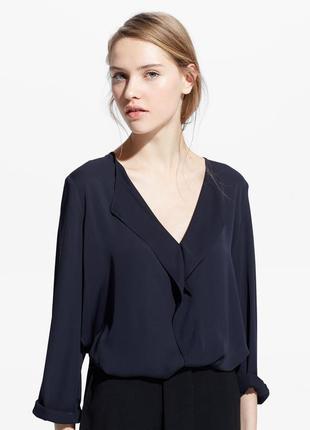 Блузка mango блуза рюшами воланами синяя длинным рукавом вырезом