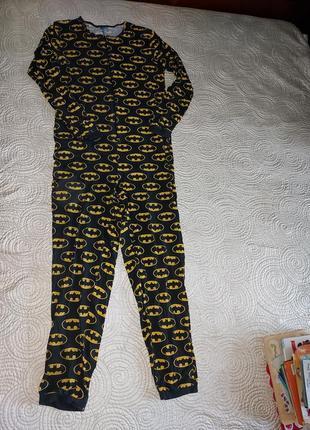 Слип. домашний костюм. кигуруми.  комбинезон с  логотипом бэтмэна.