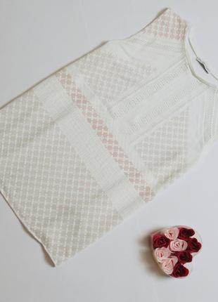 Белая футболка с орнаментом zara