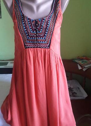Яркое платье francesca's с вышивкой .