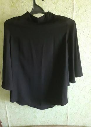 Черная кофта