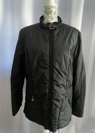 Черная демисезонная куртка от malvin