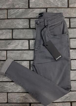 Новенькі стрейчеві джинси firetrap skinny fit