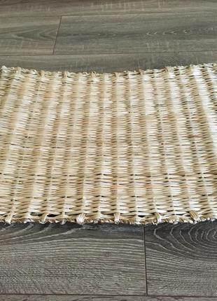Плетёный коврик