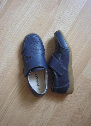 Шкіряні мешти, мокасини, закриті туфлі на липучці