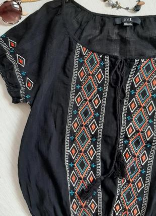Хлопковая блуза вышиванка черная с кисточками с вышивкой размер л