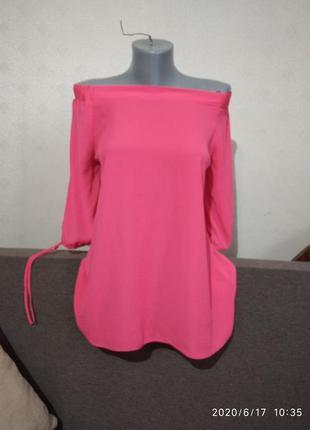 Чудесная шифоновая блуза  с оголенными плечами от f&f евро 40, uk 12