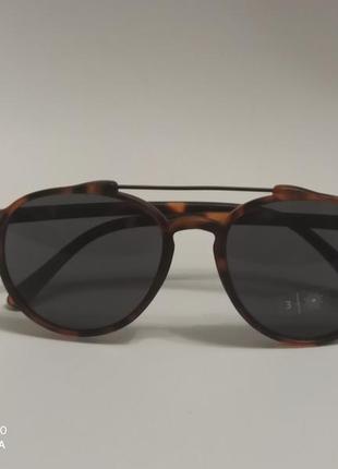 Солнцезащитные очки от c&a
