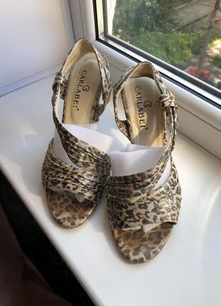 Кожаные босоножки леопардовый принт размер 38