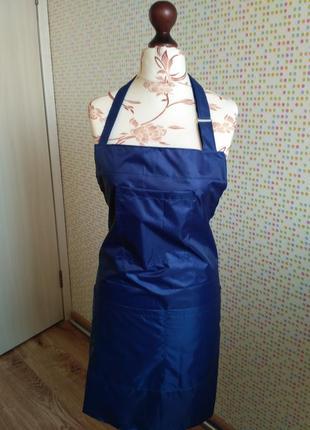 Фартук синий для парикмахера  визажиста мастера маникюра непромокаемый