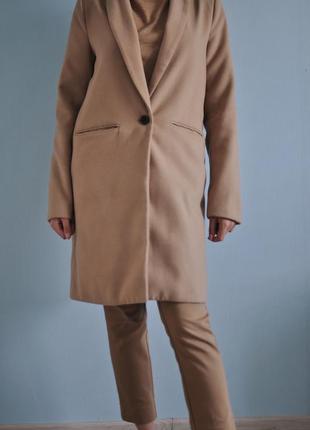 Идеальное осеннее пальто pull and bear