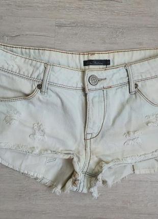 Джинсовые шорты.белые шорты
