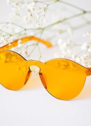 Жёлтые очки без оправы
