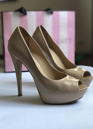 Шикарные бежевые туфли тм paoletti