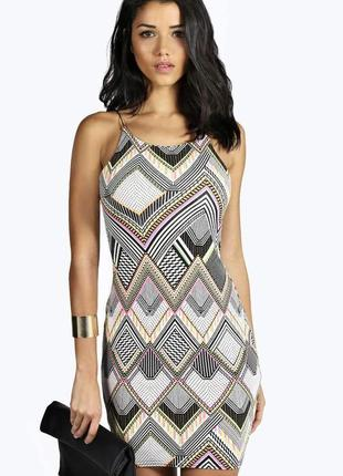 Новое с биркой платье boohoo s-m-l.смотрим замеры