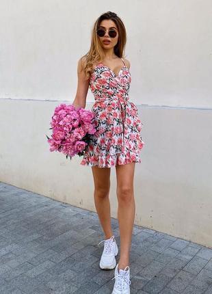 Короткое платье на запах
