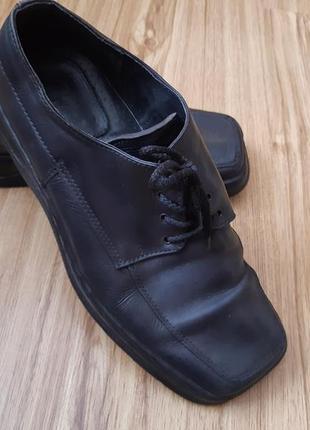 Туфлі,макасіни, кожані 41р по стельці 26см.