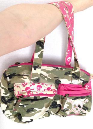 Супер стильная сумка reebok. оригинал! сумка с черепками