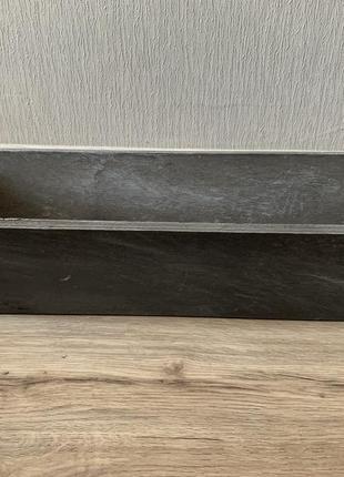 Красивый деревянный вазон