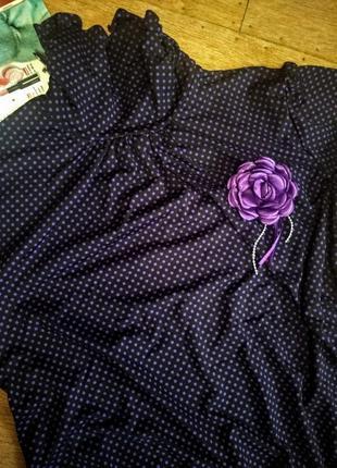 Нарядная кофточка фиолетового цвета в мелкий сиреневый горошек