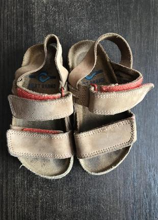 Коричневые сандали