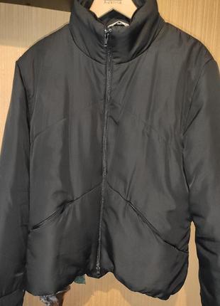 Курточка чёрная