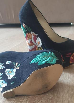 Туфли pier lucci с вышивкой