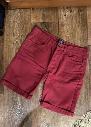Бордовые шорты topman