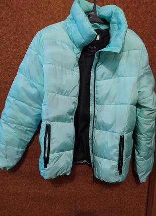 М'ятна куртка на дівчинку на зріст 158 см від h&m