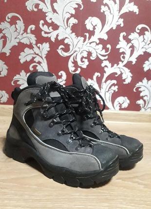 Трекінгові черевики {трекинговые ботинки} trevolution 41р 27 см