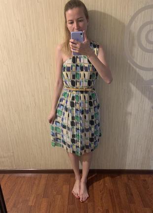 Легкое шифоновое плиссированное платье на одно плечо от &other stories