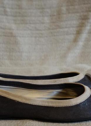 Великолепные изящные кожаные балетки с декоративной пряжкой tod's италия 36 1/2 р