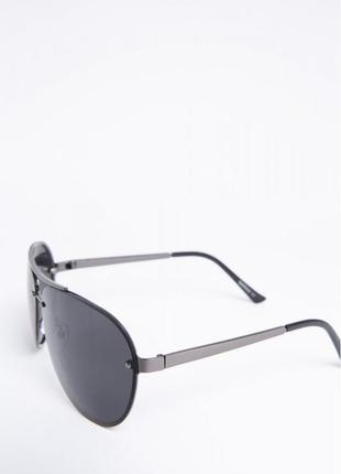 Солнцезащитные очки мужские черные