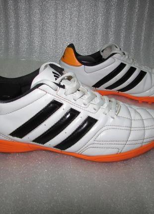 Adidas ~футбольные бутсы футзалки ~ р 42 / 27 см