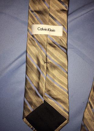 Шелковый брендовый    галстук от  сalvin klein