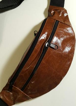Бананка из натуральной кожи стильная кожаная сумка на пояс на плечо барсетка