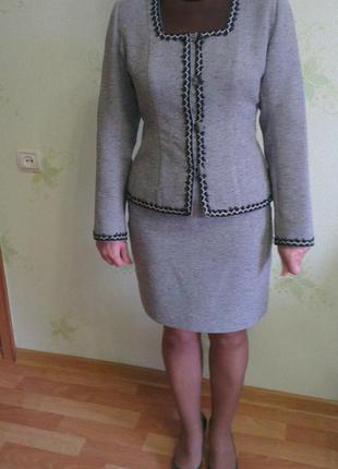 Костюм: юбка + жакет, размер м