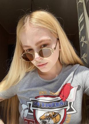 Солнцезащитные овальные имиджевые очки2 фото