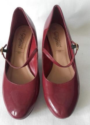 Женские туфли на платформе look  39p оригинал