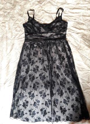Классное, супер, нарядное платье